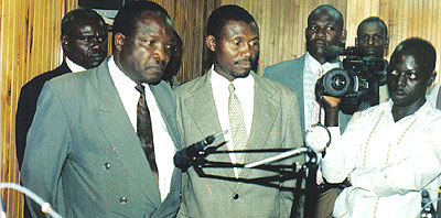 Kibaale leaders at Local KKC Radio urging people not to fight