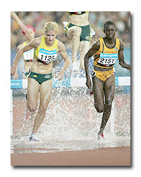 Melissa Rollison being beaten by Dorcus Inzikuru at the March 2006 Commonwealth Games